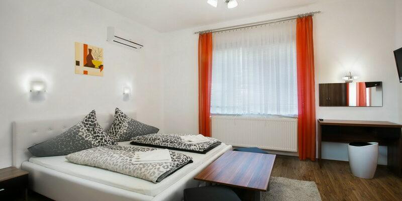 Báthory 1-2 Apartman